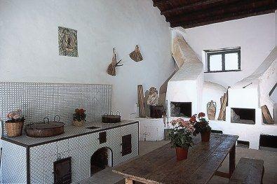 Risultati immagini per cucina siciliana antica forni in - Antica cucina siciliana ...