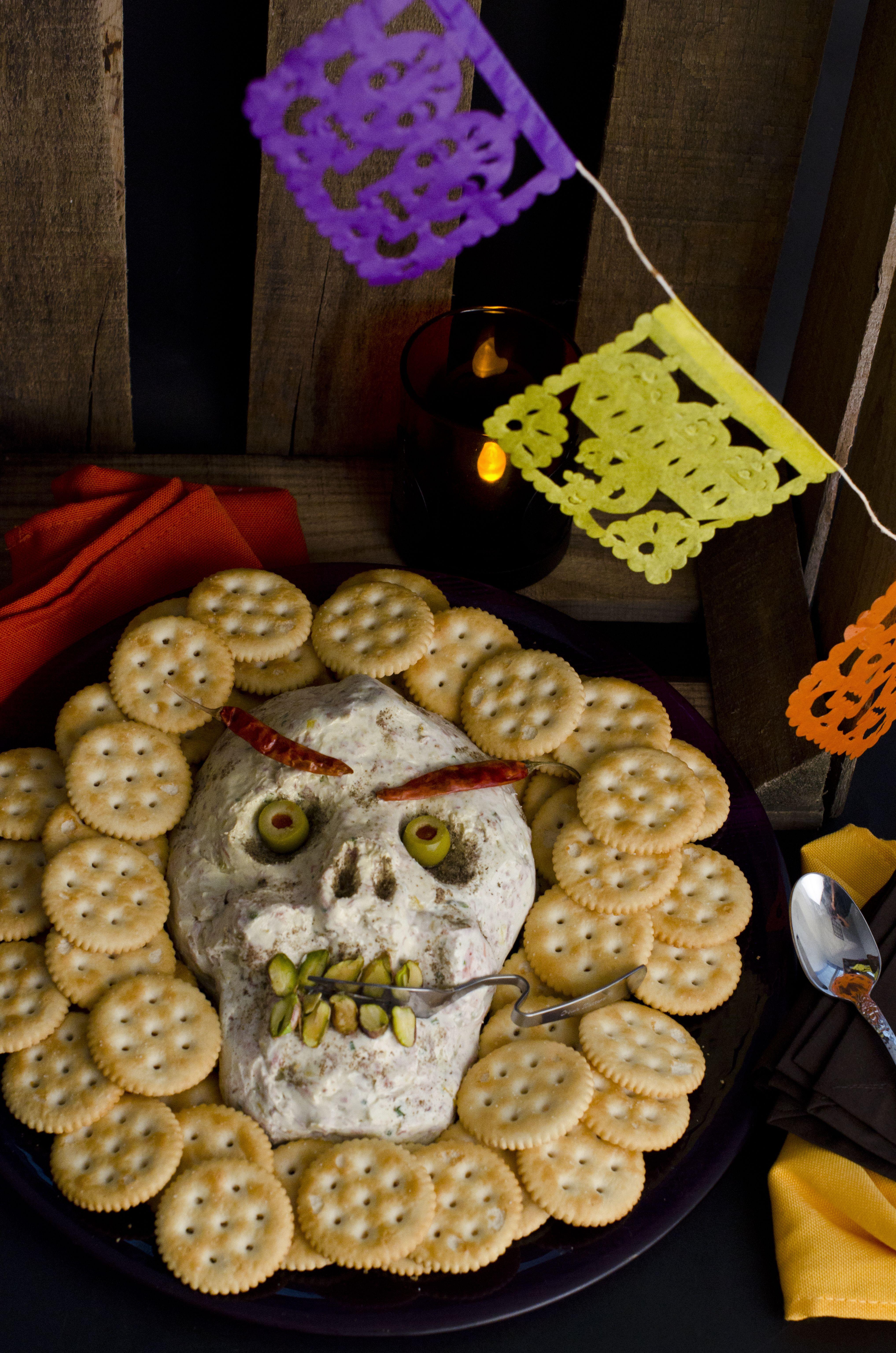 Dip De Queso Crema Para Día De Muertos Receta Dip De Queso Menú De Halloween Dip De Queso Crema