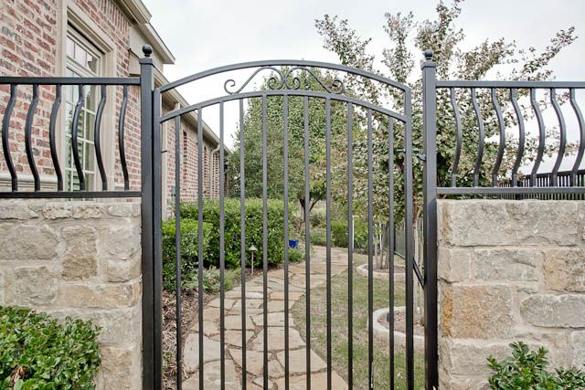 I Would Love This For Our Side Yard Going Back To The Pool Gate Design Fence Gate Wood Gate
