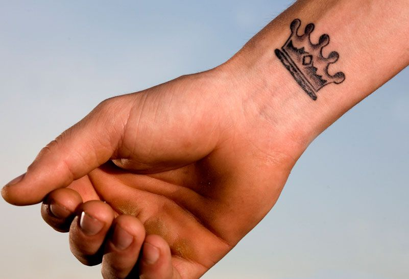 Crown Tattoo Love It Just Not On My Wrist Tattoos That I Love