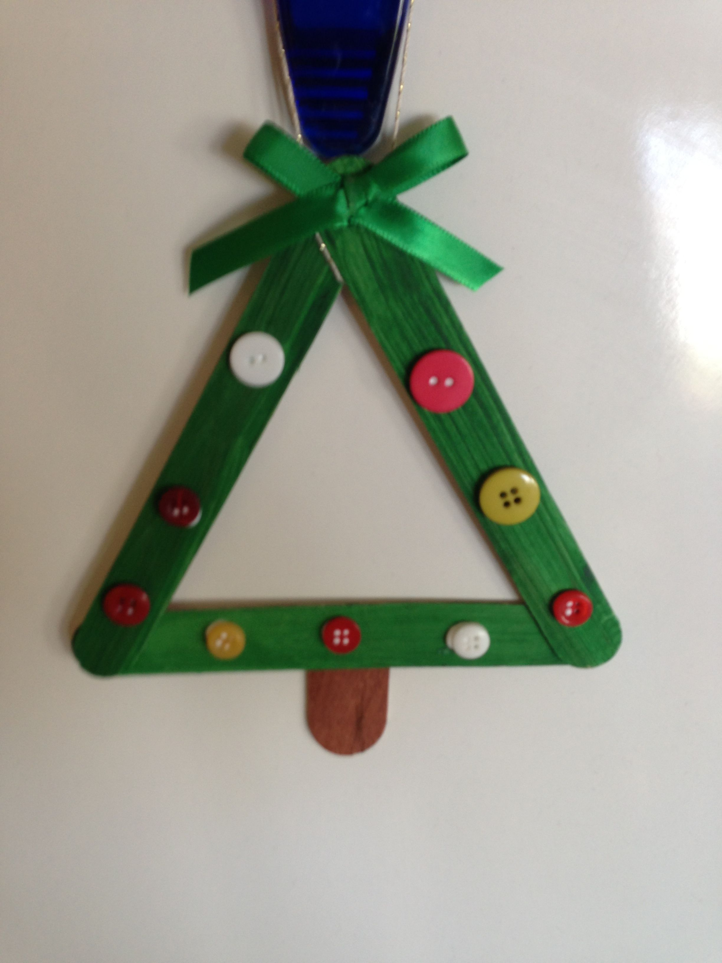 christmas craft with popsicle sticks