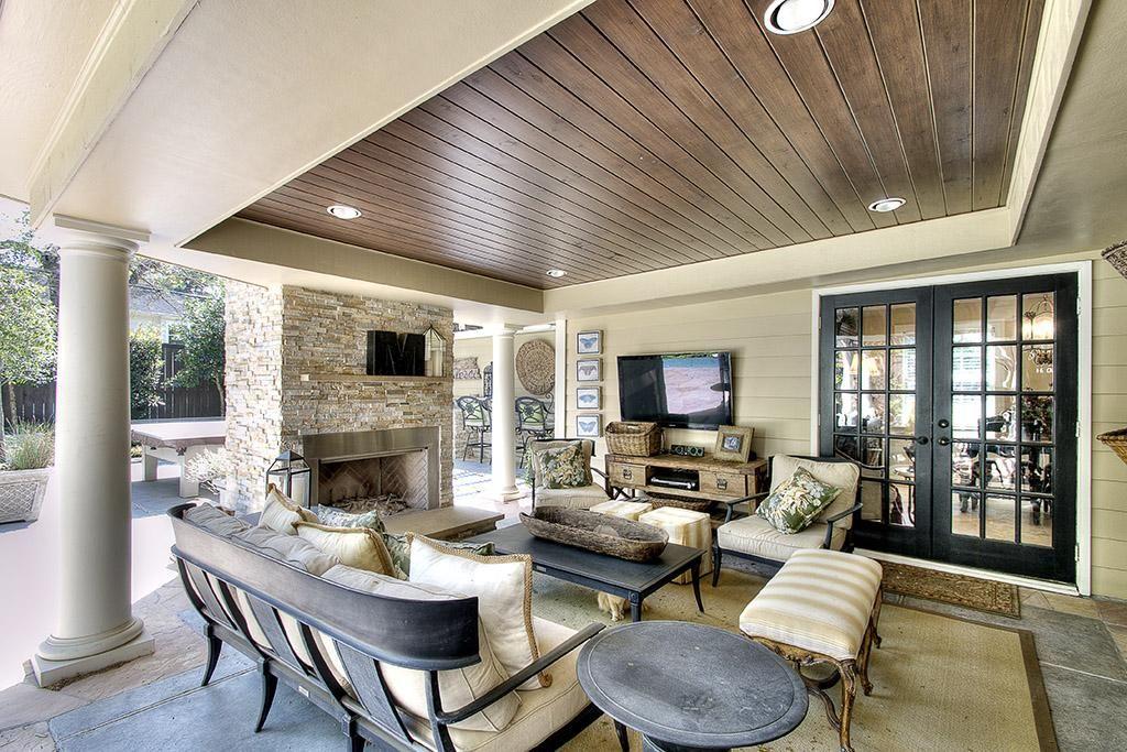 patio backyard fireplace