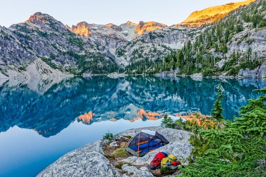 25 Beautiful Lakeside Campsites