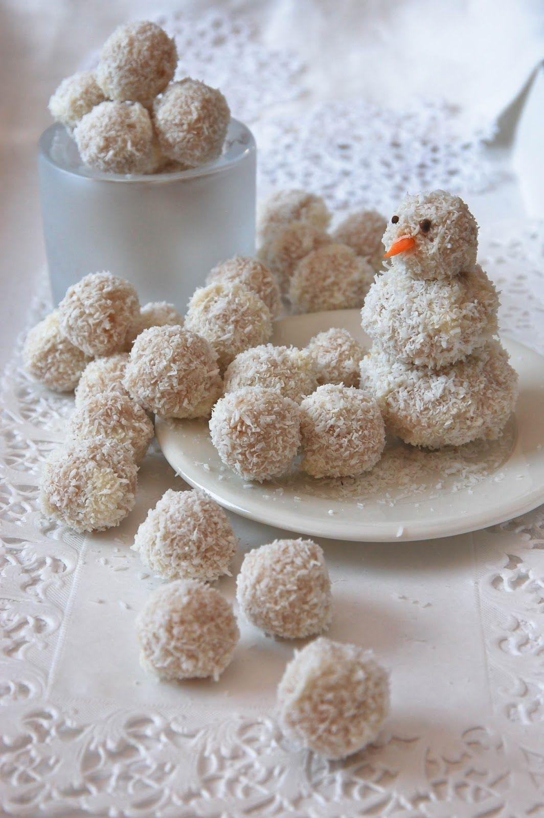 """Kookoksiset """"lumipallot"""" / Coconut """"snowballs"""""""