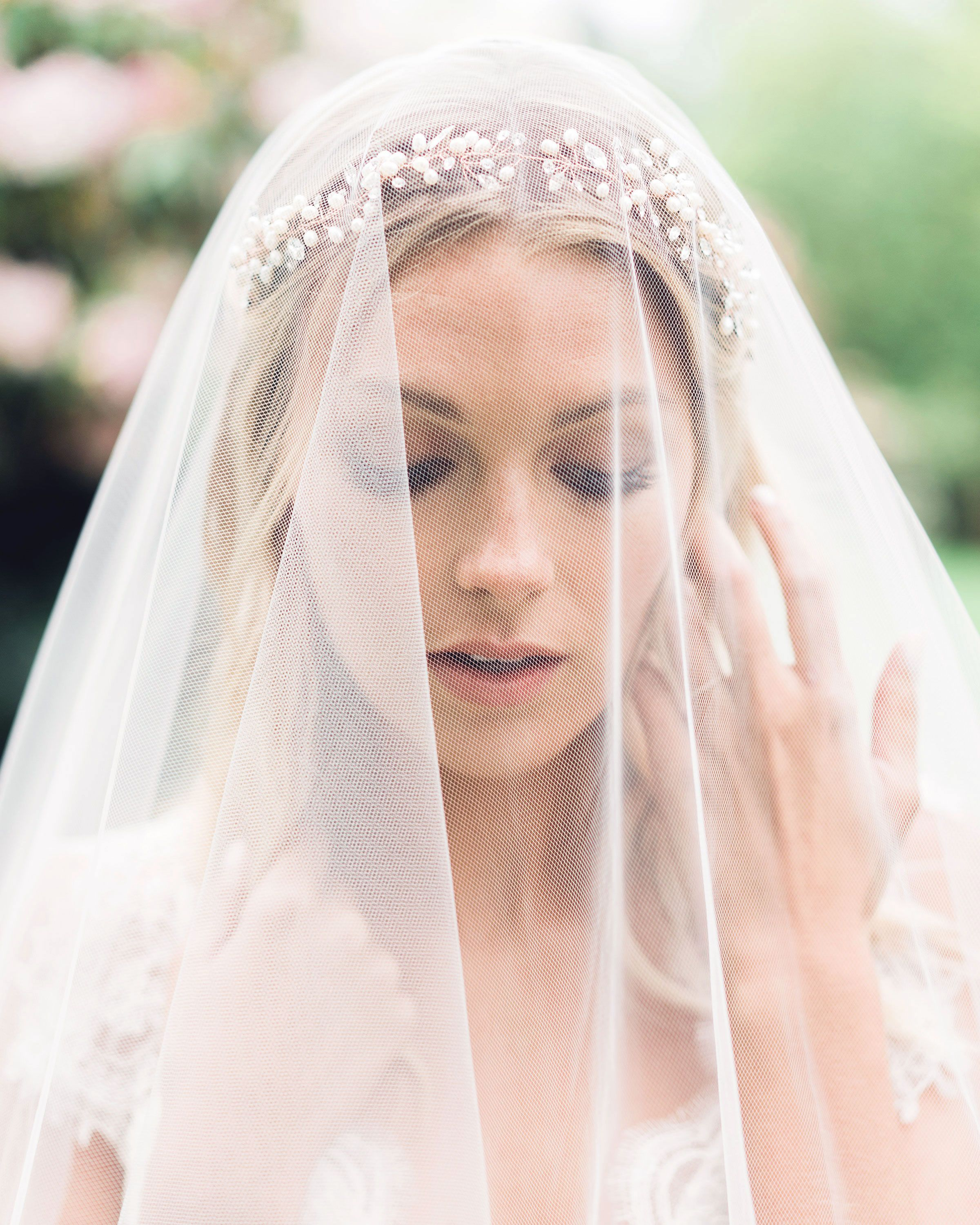 reverie halo | bride // accessorize | fingertip veil
