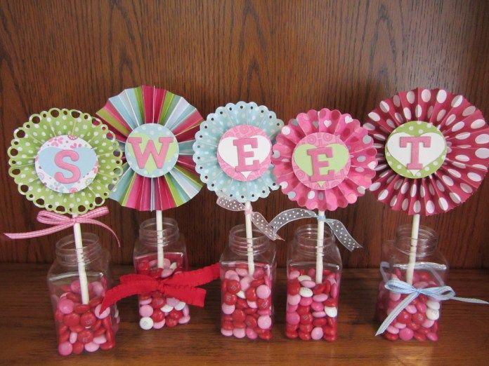 Centros de mesa con rosetones o rosetas de papel Pinterest