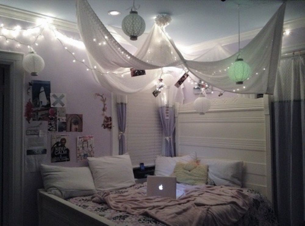 Love the way the lights and drapery is hanging on the for Decor hanging from ceiling