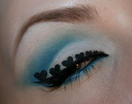 Hearts of blue http://www.makeupbee.com/look_Hearts-of-blue_21388