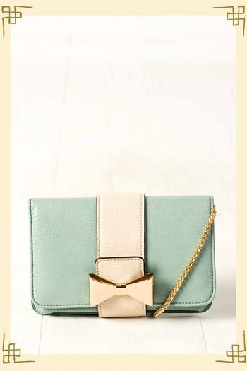 First Date Bow Clutch in Mint - Francescas