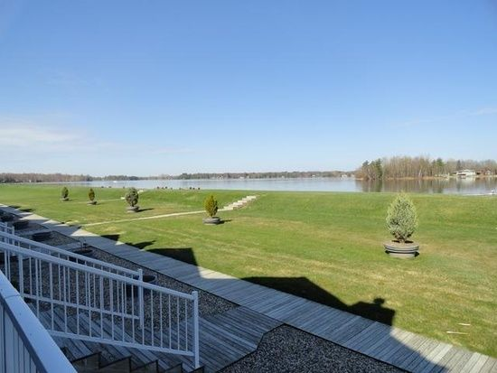 1732 Castleview Ct Gladwin Mi 48624 Zillow Vacation Home Gladwin Outdoor Decor