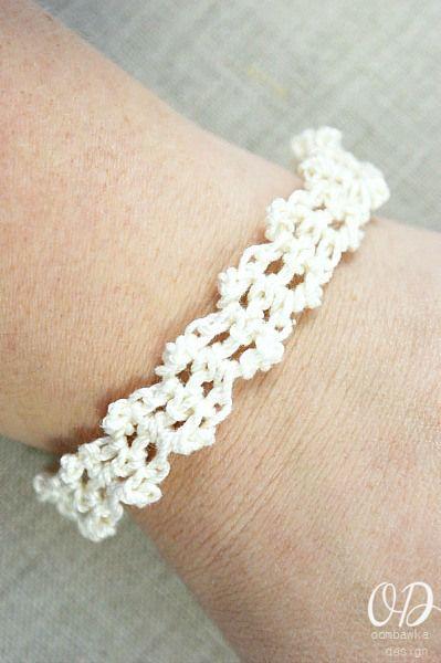 Lacy Bracelet | Armband häkeln, Selbstgemachter schmuck und Armbänder
