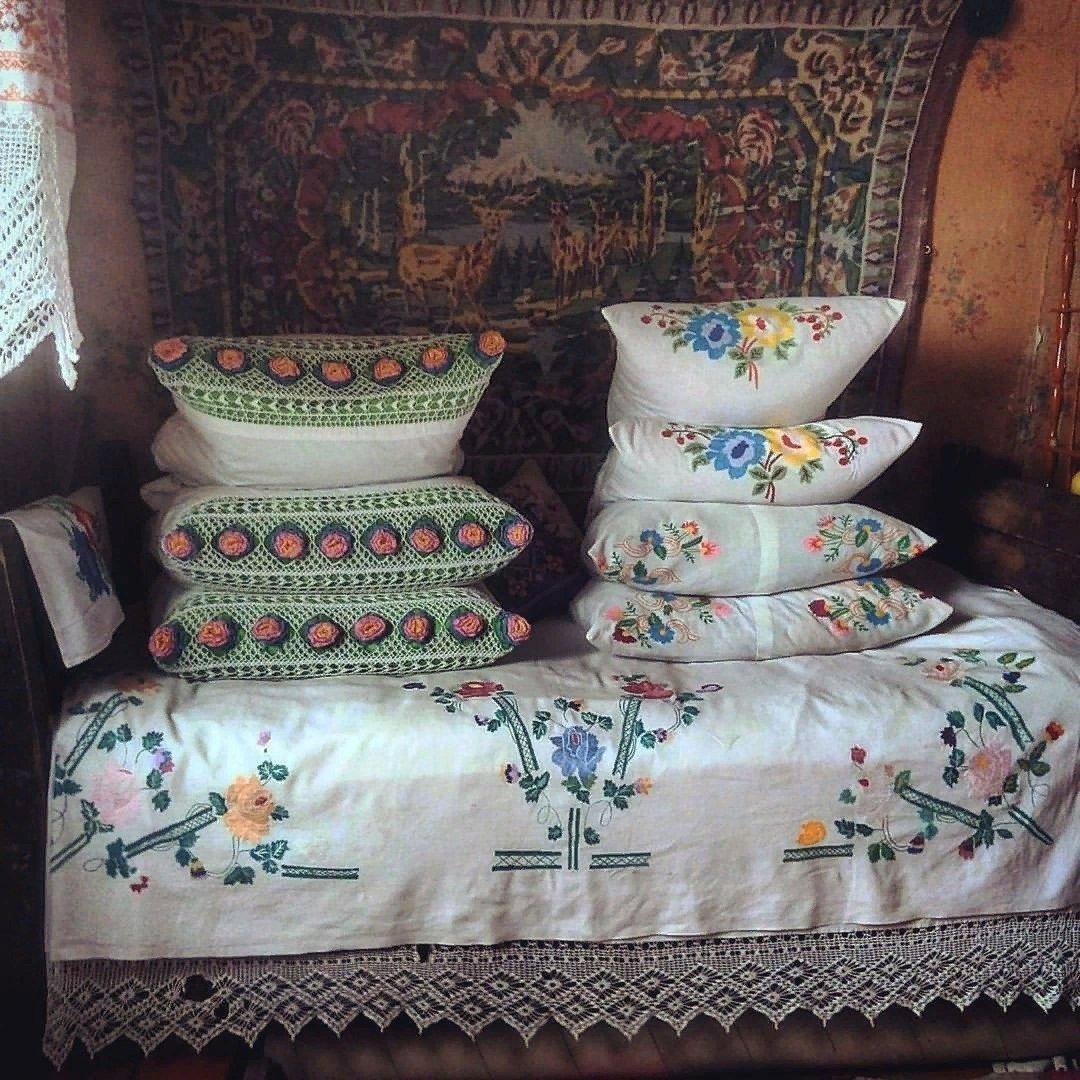 """Картинки по запросу """"кровать в деревне"""""""