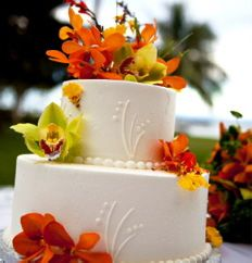 Fresh flowers wedding cake (orange)