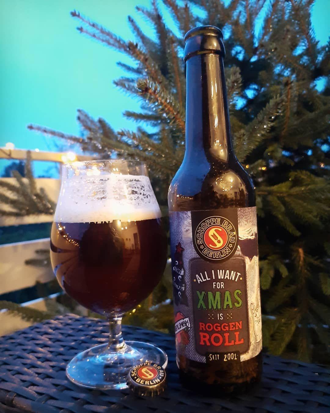 Bier Weihnachtsbaum.Der Schnee Schmilzt Der Weihnachtsbaum Kommt Weg Zeit Für Das