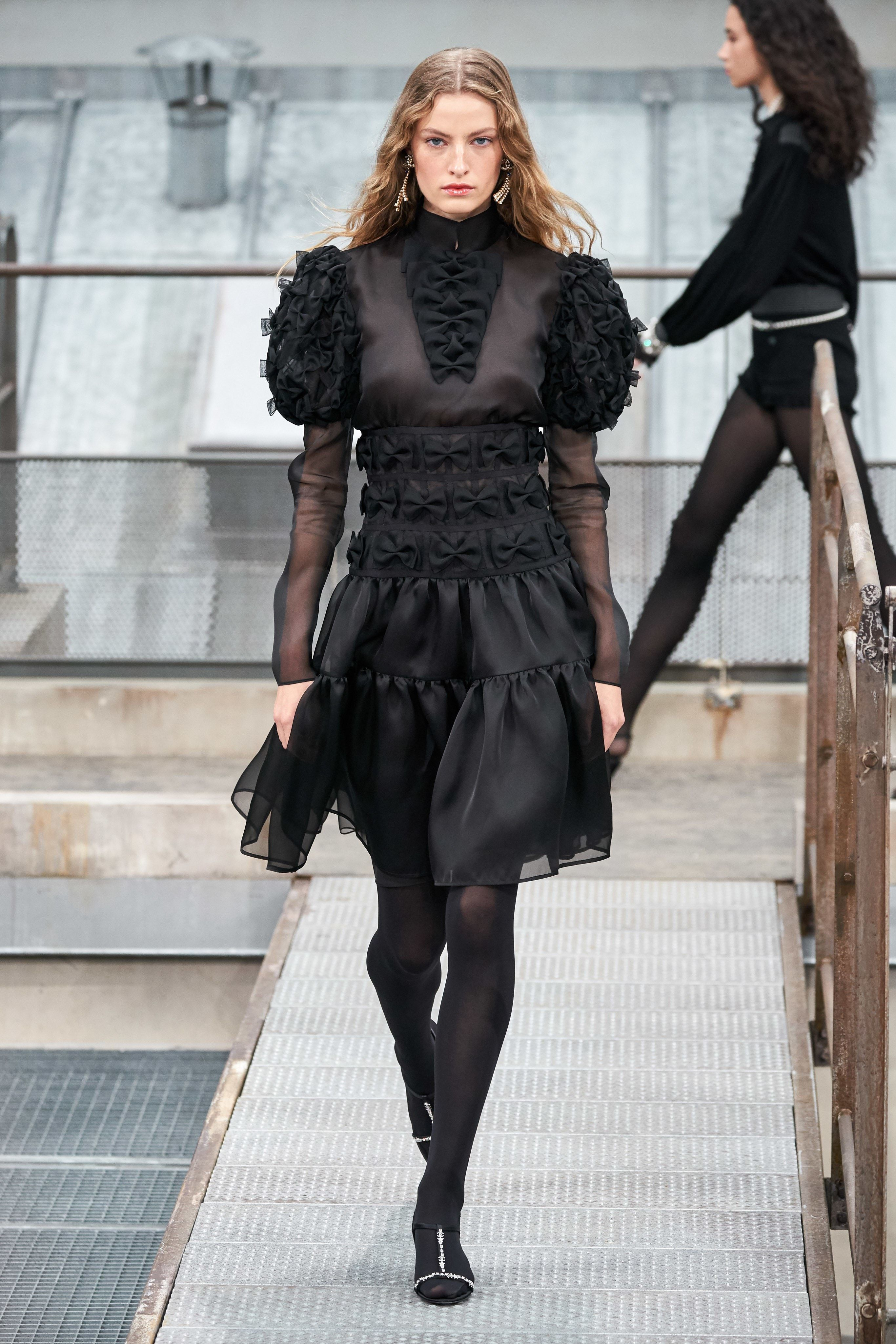 CHANEL THE MÉTIERS D'ART SHOW 2019/20 Chanel Runway(画像あり)