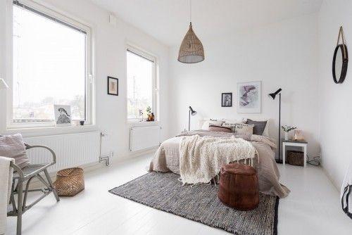Herfst tinten in een scandinavische slaapkamer interieur