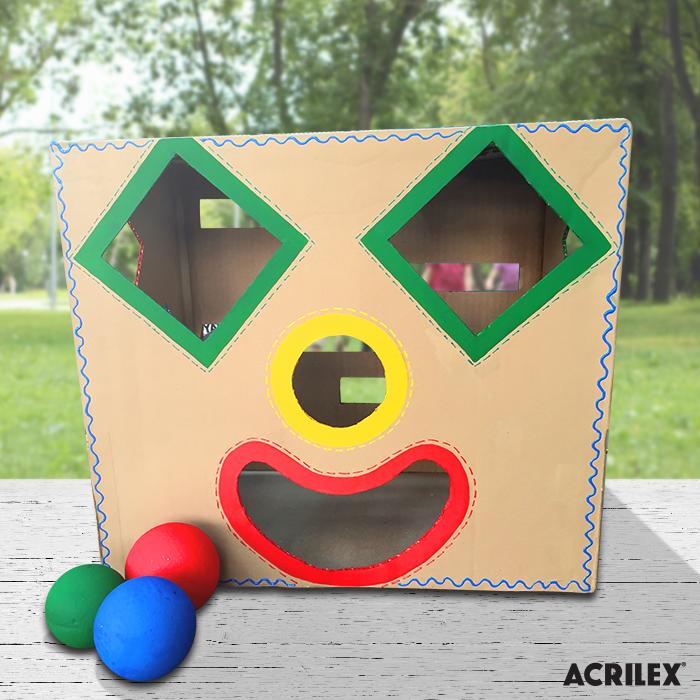 As crianças vão adorar essa caixa de atividades! Ela é bem simples de fazer e estimula o aprendizado das formas geométricas. Veja o passo o passo: http://abelhinhasacrilex.com.br/atividade/caixa-de-atividades/