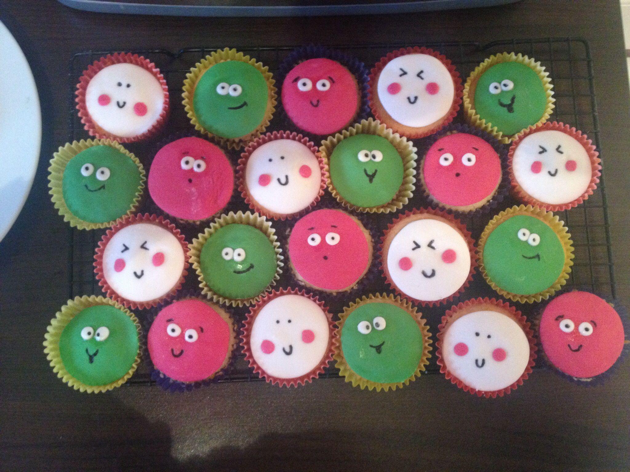 Cupcakes for my boys school Xmas party tomorrow :-) xx