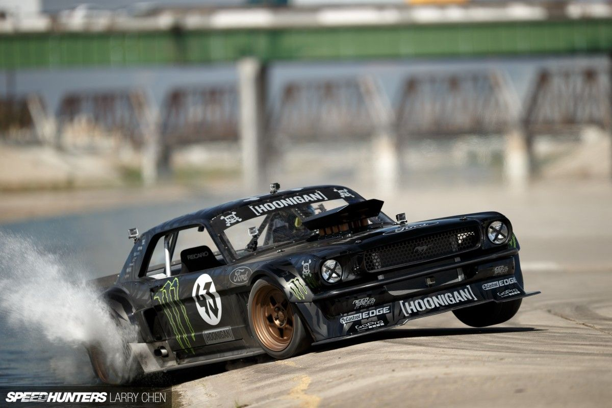 ken block s 1965 ford mustang hoonicorn rtr engine 410 cubic inch roush yates v8 max power. Black Bedroom Furniture Sets. Home Design Ideas
