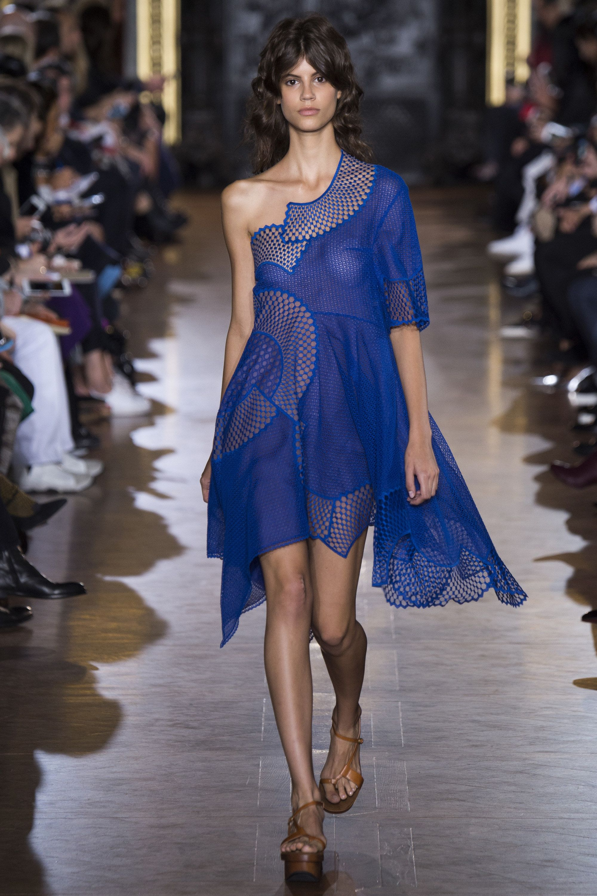 Stella McCartney Spring 2016 Ready-to-Wear Fashion Show