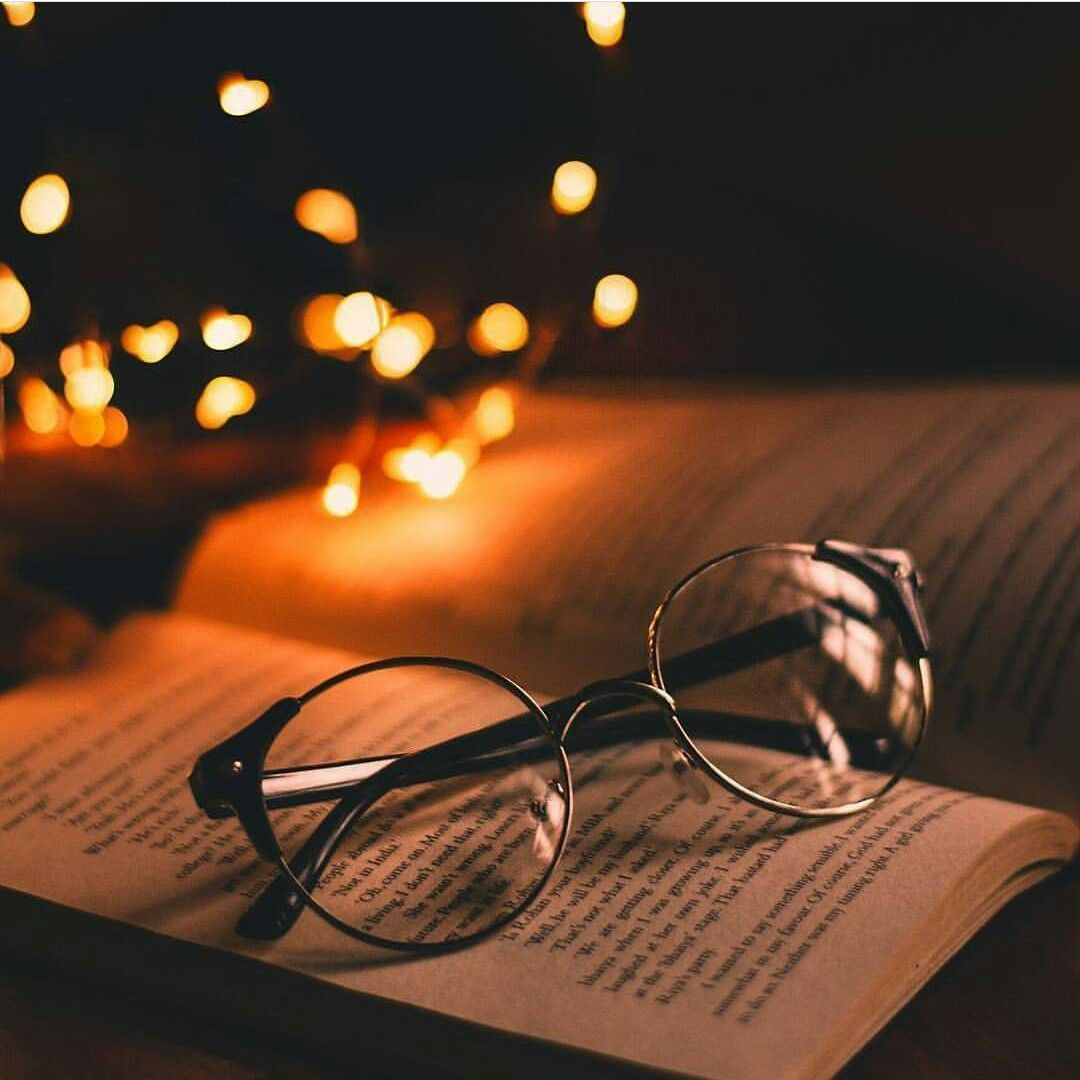 Reading At Night Book Photography Tumblr Photography Photography Wallpaper