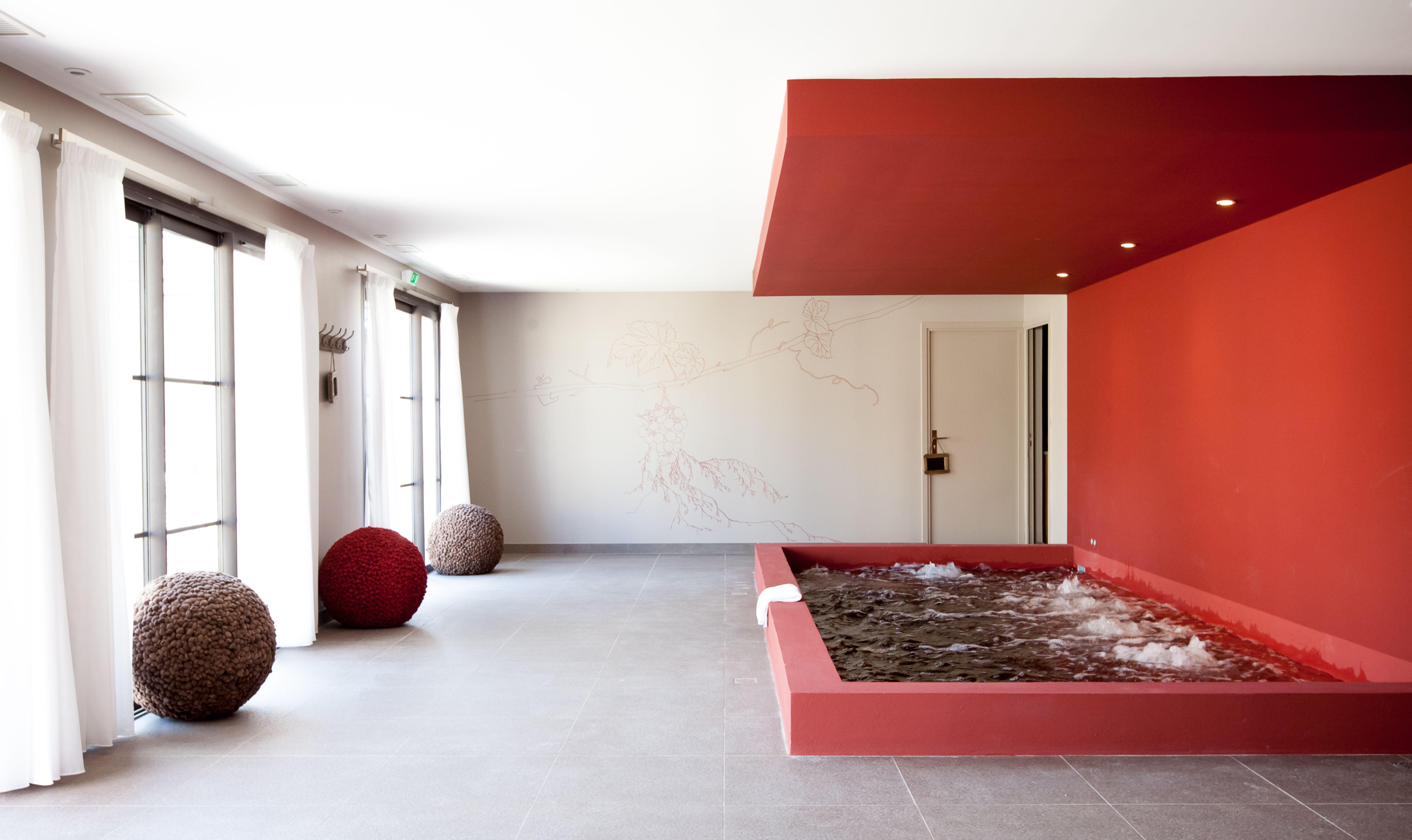 Espace d tente piscine spa copie s boudot distillerie de p zenas p zenas en 2019 - Pezenas piscine ...
