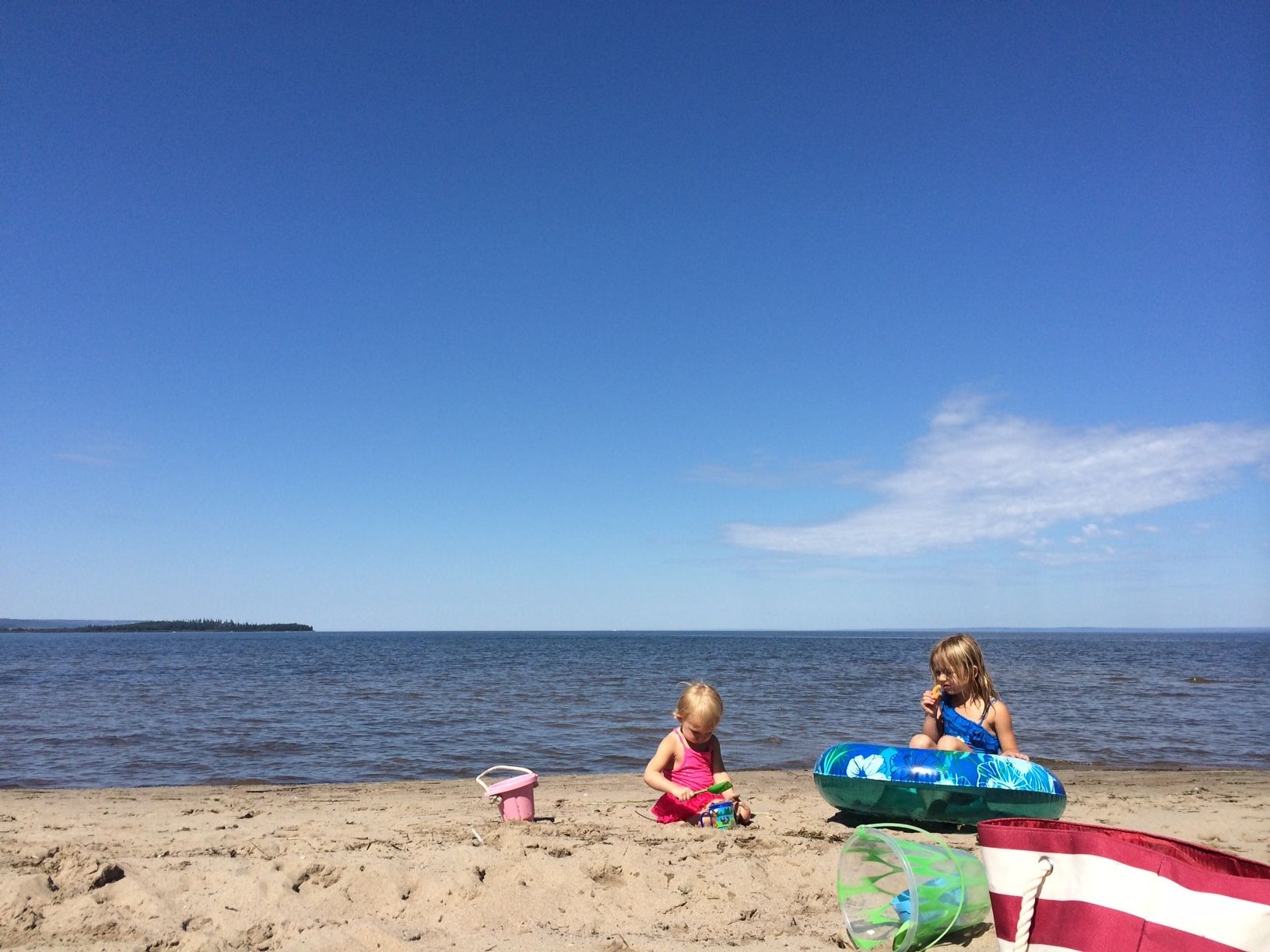 The Best Alberta Beaches You Need to Visit This Summer