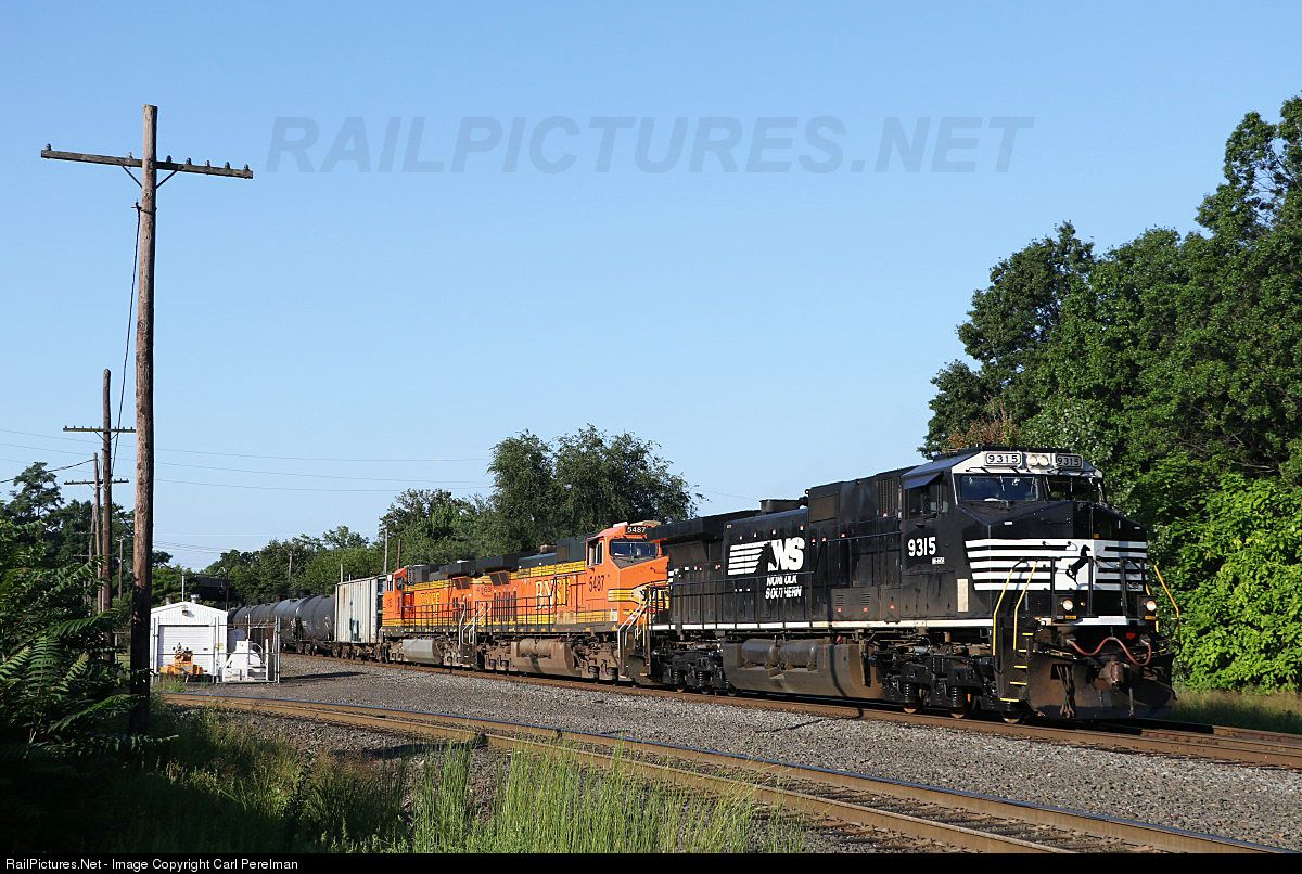 RailPictures.Net Photo: NS 9315 Norfolk Southern GE C40-9 (Dash 9-40C) at Port Reading , New Jersey by Carl Perelman