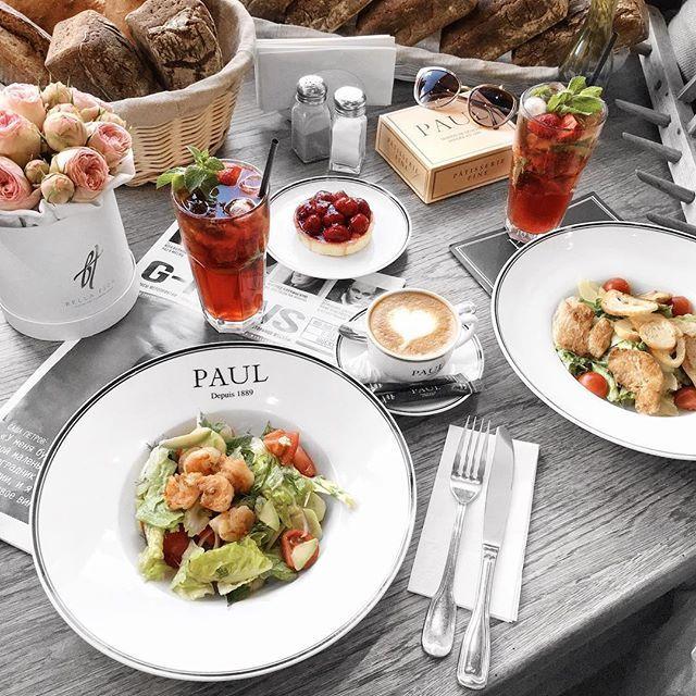 Друзья, теперь в меню @paul_moscow вас ждут летние новинки — яркие, легкие и смелые! Основной концепцией блюд стало использование сезонных продуктов.🥑Начать знакомство советуем с крем-супа с тыквой и сельдереем, а также с беспроигрышного сочетания — салата с креветками и авокадо. Для тех, кто держит в себя в форме, в разделе горячих блюд появились куриная грудка с киноа и филе лосося с овощами. Также здесь можно найти ризотто с белыми грибами, классический стейк и феттучини с…