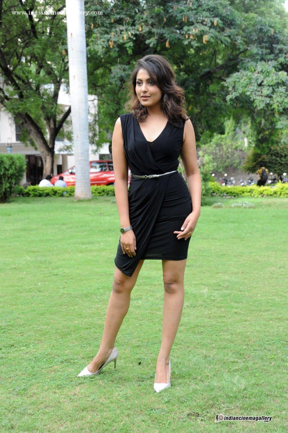 Madhu Shalini Hot Sex Ideal madhu-shalini-during-anukshanam-trailer-launch-(4) | frock and
