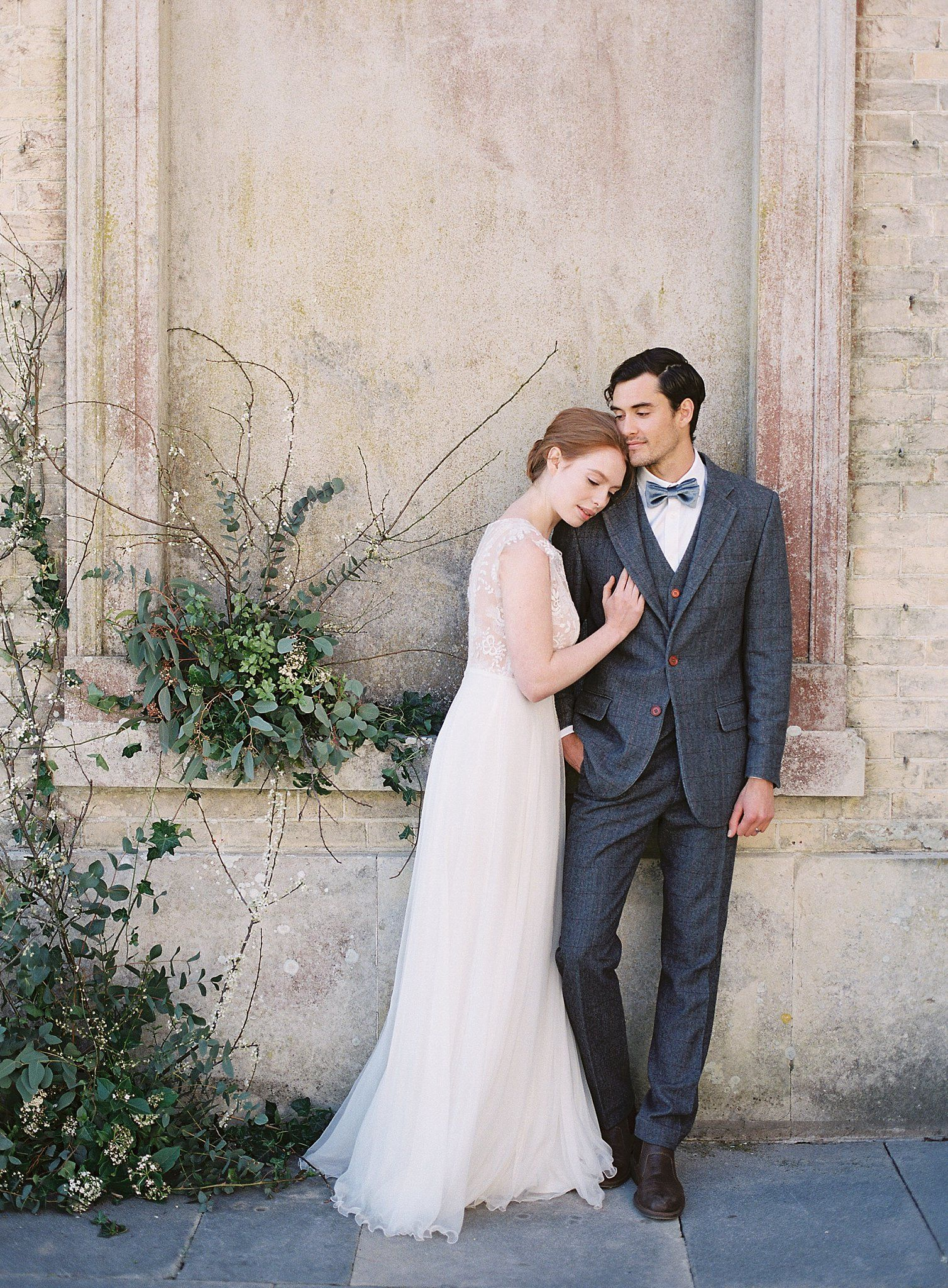 Fine Art Bride And Groom At Hampshire Historical Wedding Venue Pinterest Welcome In 2020 Wedding Historic Wedding Venue Timeless Wedding Dress