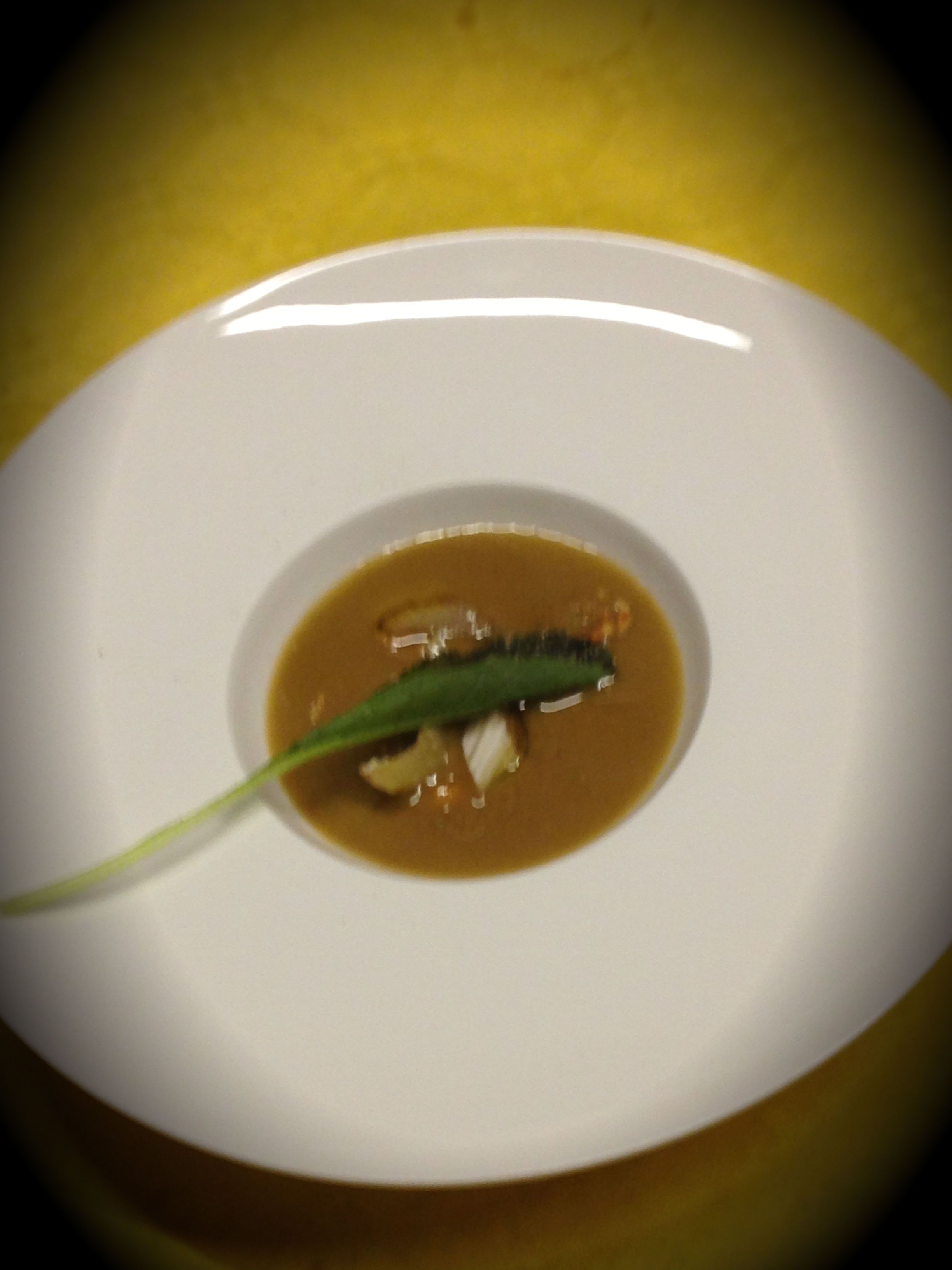 Zuppetta di granchi con nocciole - Chef Andrea Ribaldone