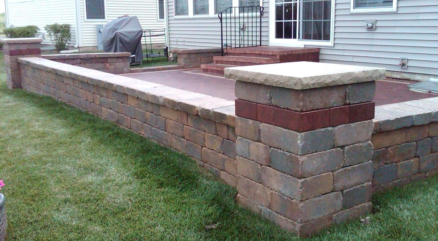 Patio wall blocks home design ideas and pictures for Patio and retaining wall ideas