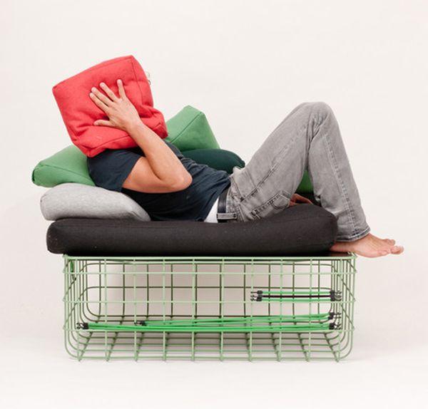 Draht box als eine Tabelle/Hocker/Stuhl: Kuli von Felix Haeffner und ...
