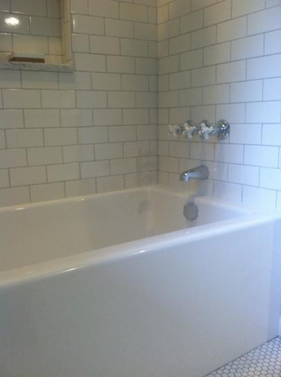 Lyons Industries, Linear 5 Ft. Left Drain Soaking Tub In White, LLT013060L  At