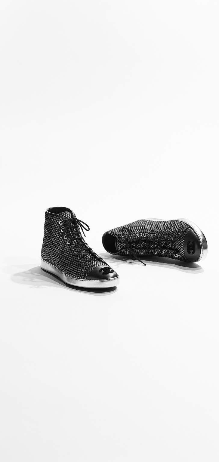 Fall-Winter 2016/17 Pre-collection - mesh & lambskin-silver & black