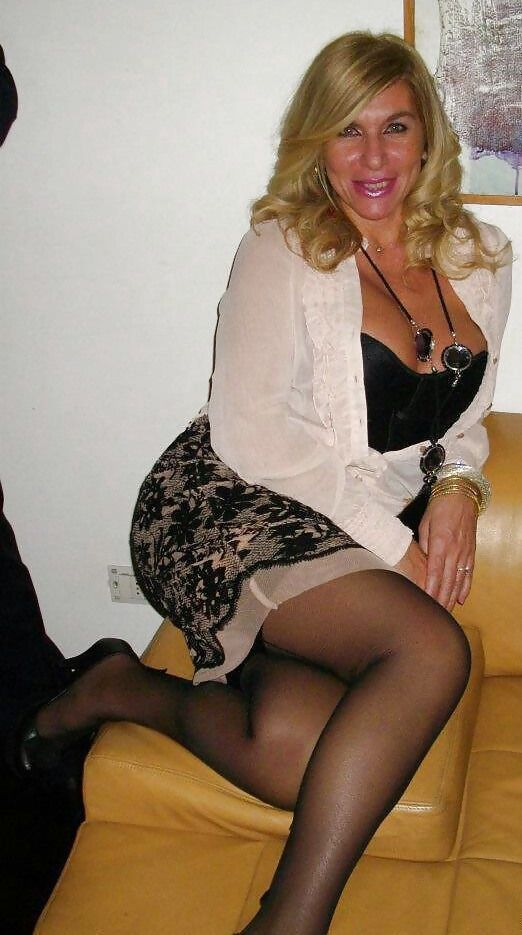 black jello booty transvestite