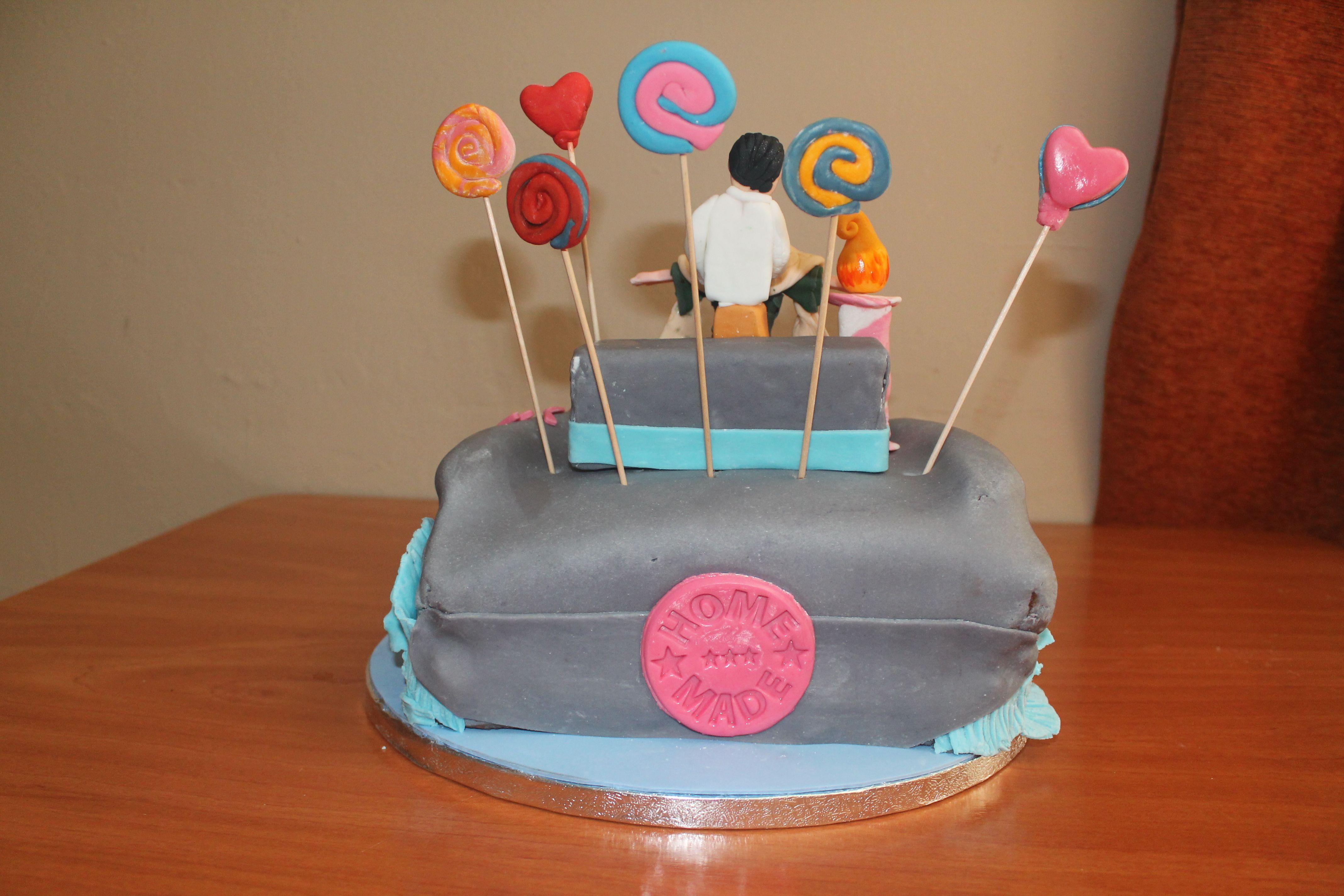 "Vista trasera de la tarta ""Proa del Titanic"". 15 mayo 2012."