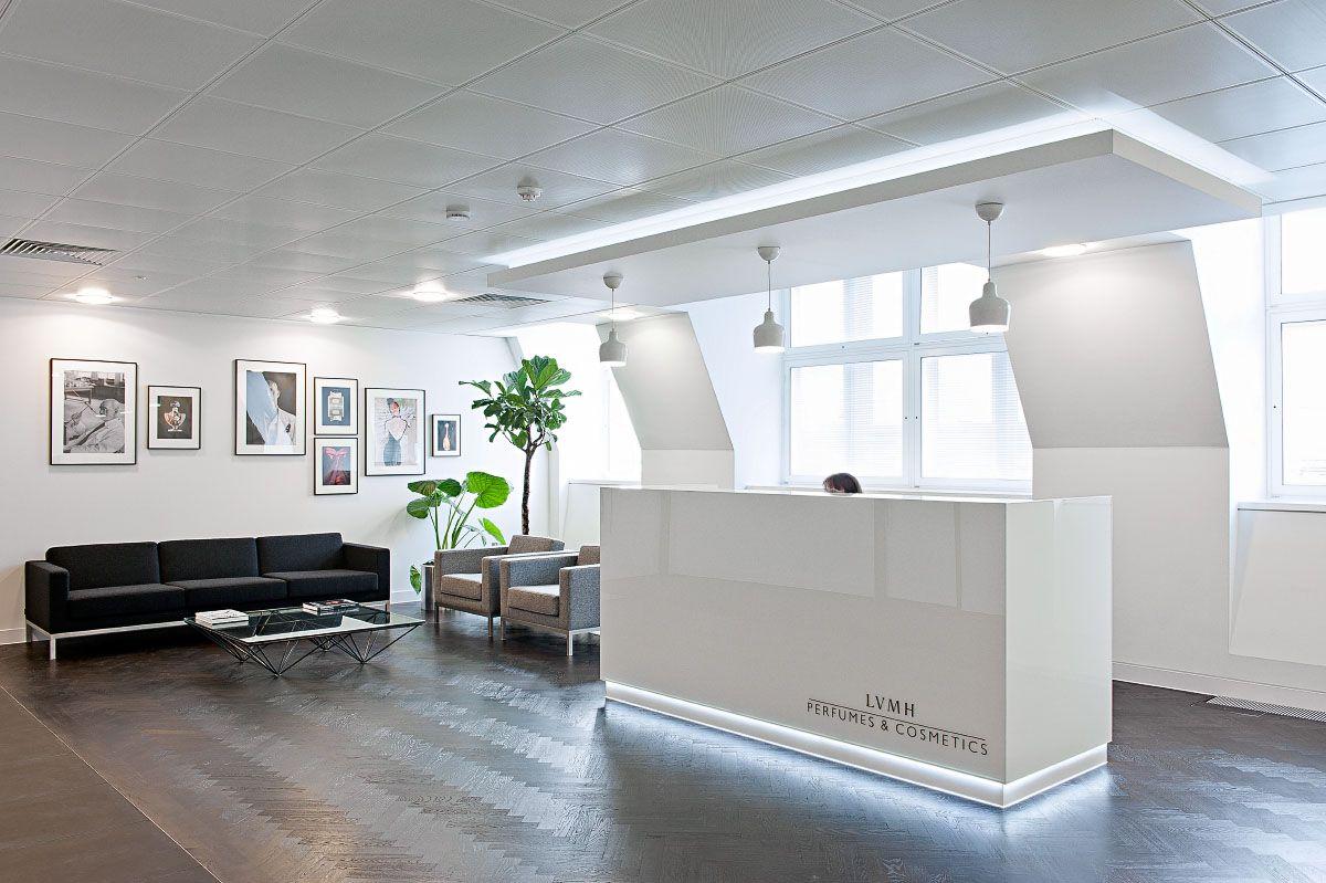 Louis Vuitton – LVMH and Luxury Goods Marketing Essay Sample