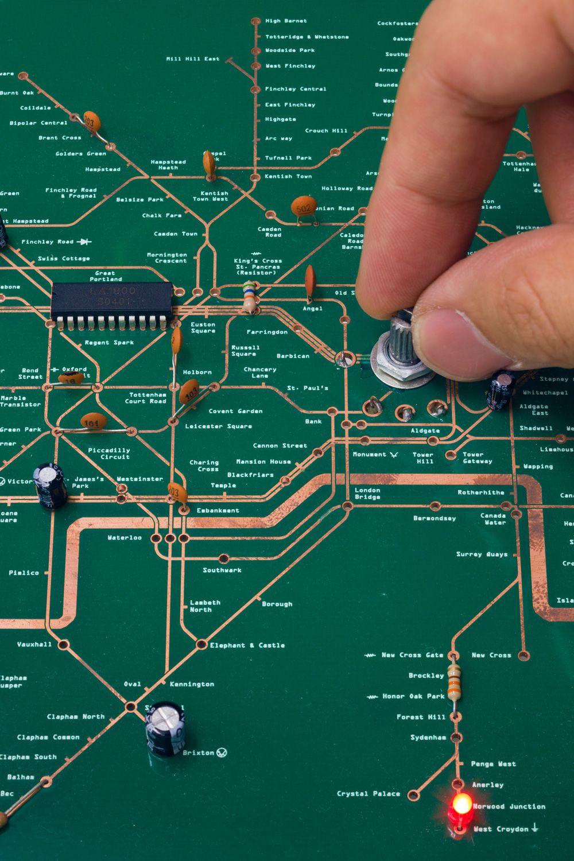 hight resolution of tube map radio by yuri suzuki