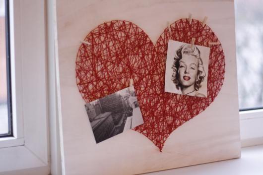 herz fadenbild pinnwand kunst pinterest fadenbilder herzchen und fadenkunst. Black Bedroom Furniture Sets. Home Design Ideas