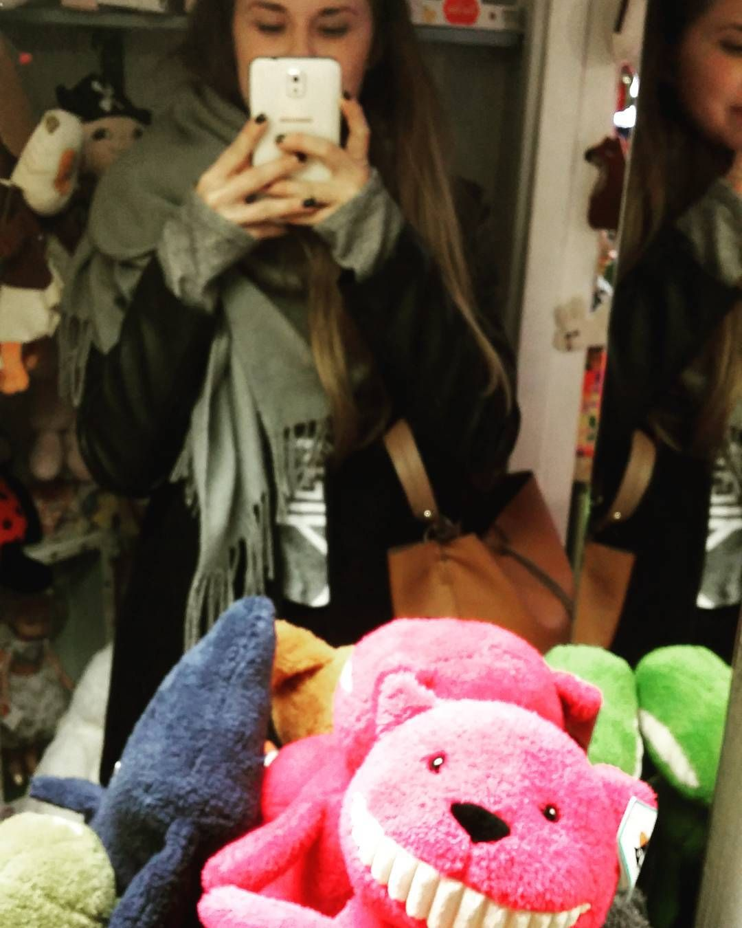Bearrr monsta  #bear #yarrr #awesomesetof #teeth #monsta #pink #stuffedanimal #cuteshop in #jyväskylä #mirrorme by sasa.airio