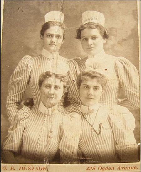 60 Vintage Photos of Nurses Being Awesome - NurseBuff