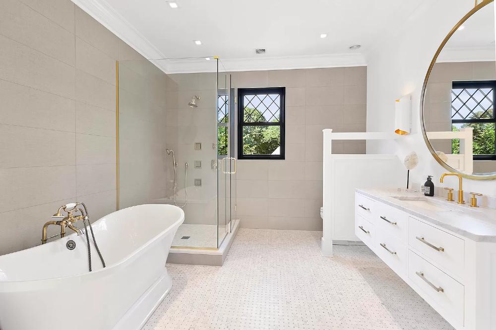 410 Ox Pasture Rd Southampton Ny 11968 Mls 351283 Zillow Bathroom Floor Plans Zillow Floor Plans
