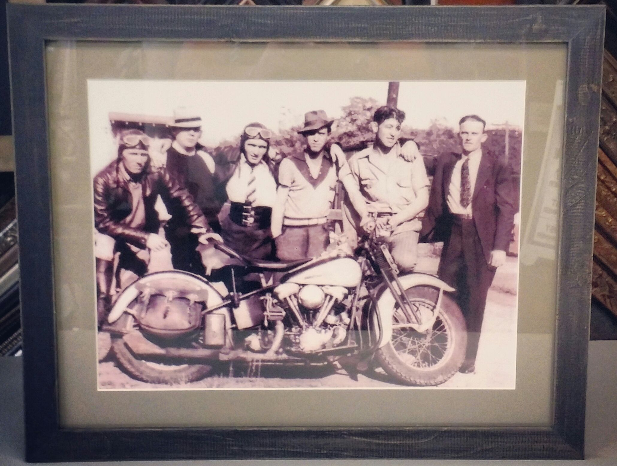 We have plenty of rustic frames to compliment your vintage photos ...