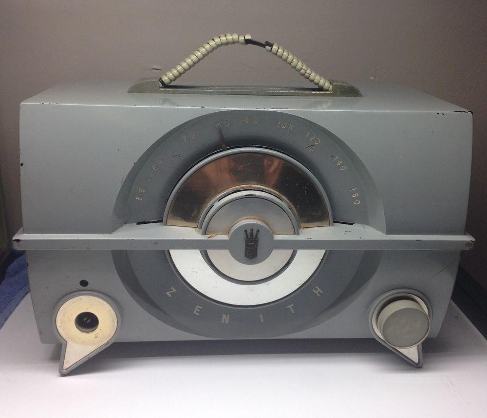 Vintage 1950's Zenith Mint Green Bakelite Tube Radio Model