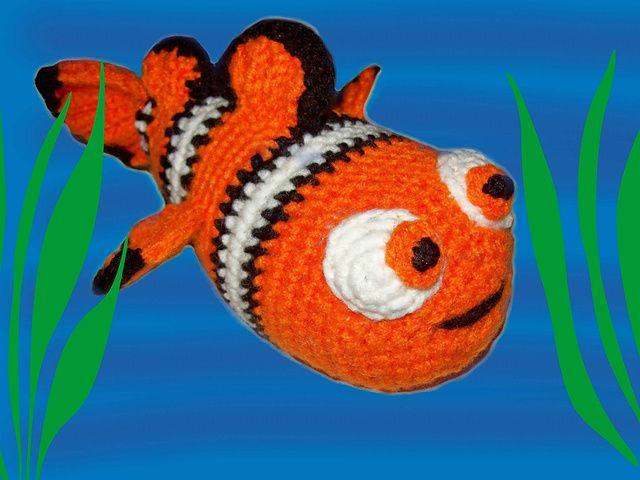 Clown Fish Crochet Pattern pattern by Jessica Woofter | Arrecifes de ...