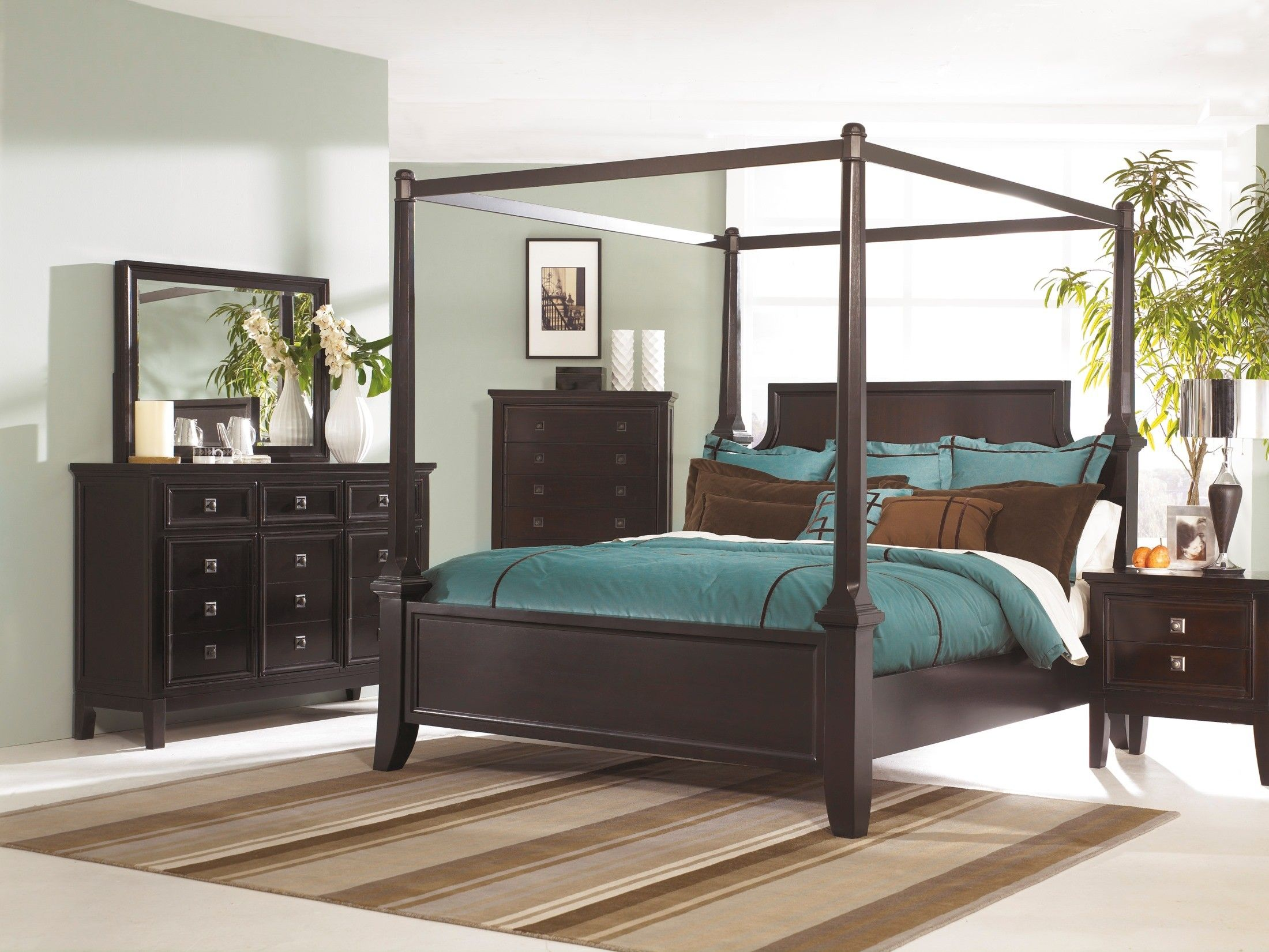 Martini Suite Poster Bedroom Set Canopy Bedroom Sets Canopy Bedroom Bedroom Furniture Sets