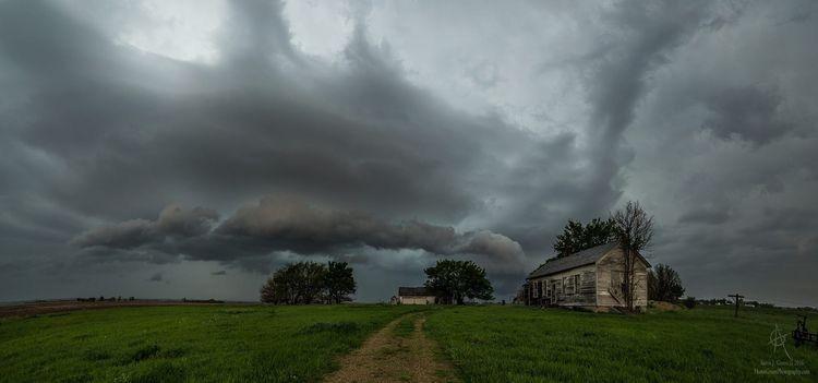 نفسيتي تحتاج أجواء الشتاء واقوم على صوت المطر شتاء كلمات Landscape Photography Landscape Weather Storm