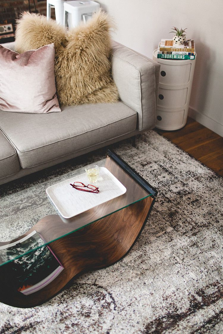 how to use rugs to define spaces in a studio apartment | Pinterest ...